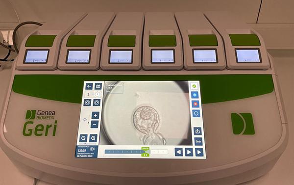 Geri, the time-lapse embryo incubator